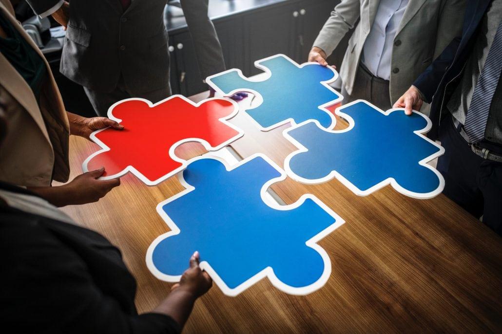 Ein gutes Team ist wie ein Puzzle, bei dem jedes Teil ineinander greift.